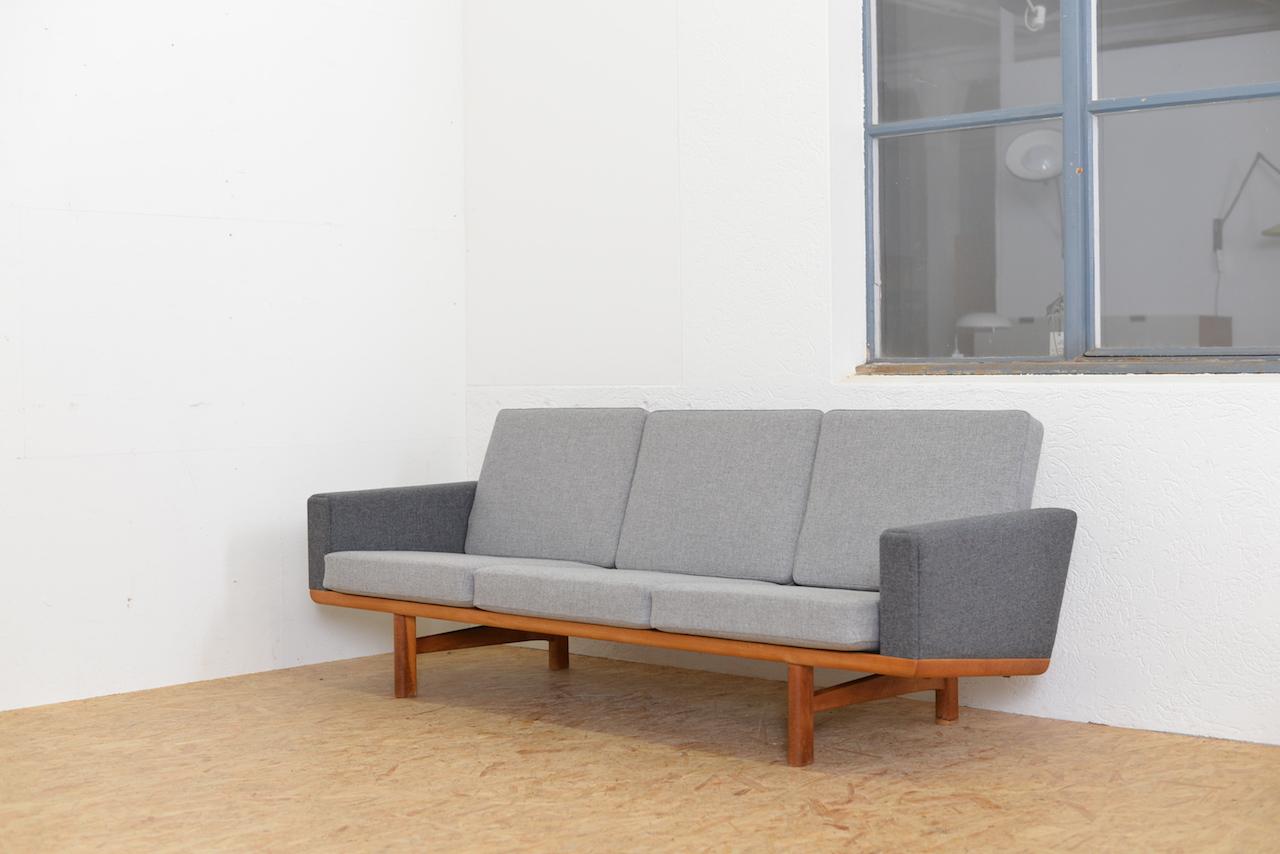 Sofa GE 236 Hans J. Wegner Sofas/Sessel | Buma Design Olten Bern ...