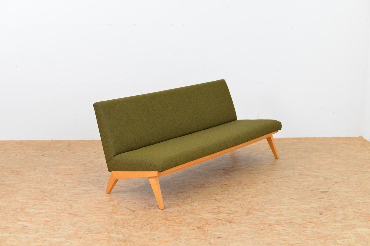 sofa klassiker design design sessel klassiker beautiful programm s thonet mbel sthle tische. Black Bedroom Furniture Sets. Home Design Ideas