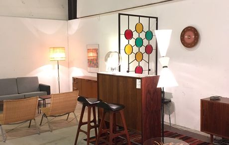 Les puces du Design in Lausanne Img 1932 Buma Möbelklassiker Vintage-Klassiker und Designermöbel Möbel Olten Zürich Schweiz