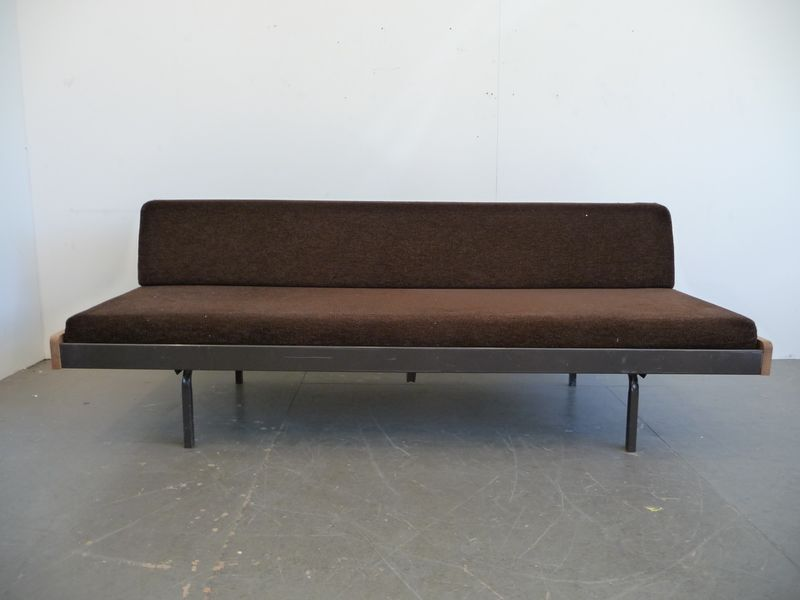 Daybed auping sofas sessel buma design olten bern z rich for Schlafsofa unterlage
